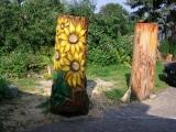 Baum mit drei verschiedenen Blumen